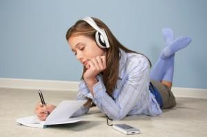 Musik genießen mit dem richtigen Kopfhörer © James Woodson/Digital Vision/Thinkstock